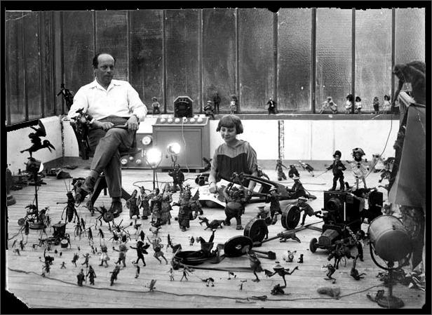 Ladislas Starewitch en su taller, junto a su hija.